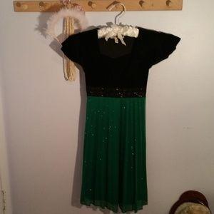 Speechless Size 10 Black Velvet Green Formal Dress